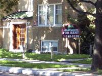 ここ数年、入居者募集の立看板が多くなった(シカゴ市内のアパート)