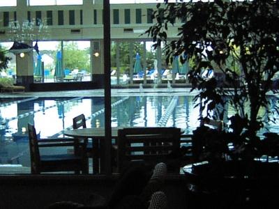水は人々の気持ちにうるおいを与えるので風水ではよく使われる(イリノイ州サンシティ)