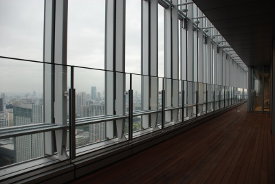 最上階から眺める東京の景色は、仕事の疲れを癒してくれる
