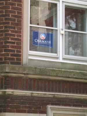 地元だけあって、そこここにオバマ支持のポスターを見かける