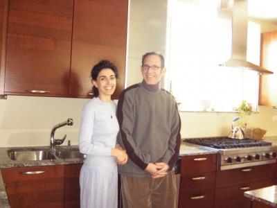 ミラー夫妻は、外見はそのままに、台所と客用の部屋を合わせて倍の大きさのキッチンスペースに広げた。全て最新の器具である