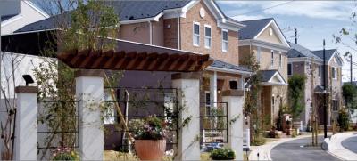 ポラスグループが開発分譲する「パレットコート緑花未来区」(さいたま市緑区、総戸数99戸)。まちなみが映える曲線のストリートを採用した
