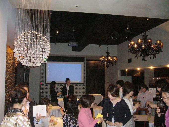 セミナーには約30人が集まり、講義後には交流会が開催された