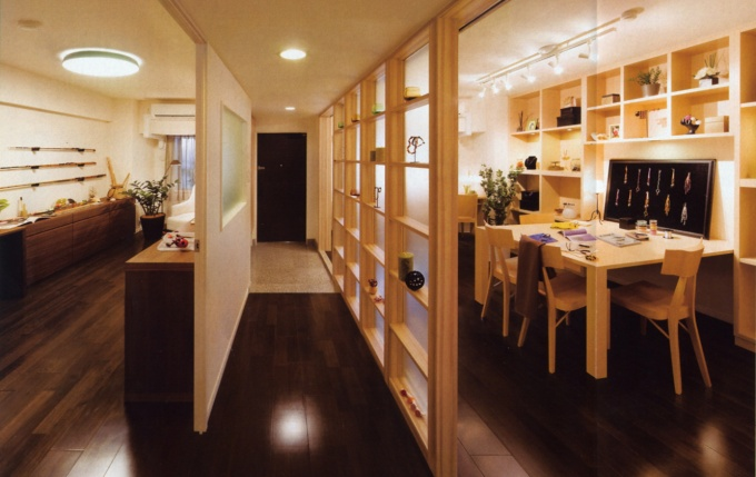 個々の部屋にリビングの持つ「くつろぎ」「コミュニケーション」機能を与えたのが「aルーム」。プライベートの快適さとコミュニケーションが容易な開放感を併せ持っている