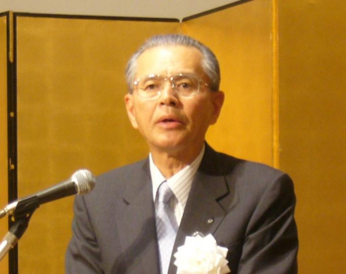 総会冒頭で主催者挨拶をする(社)ロングライフビル推進協会会長の山内隆司氏