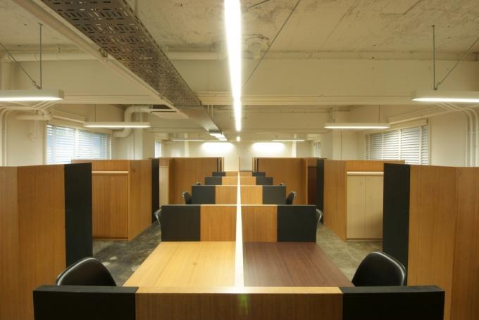 2階スモールオフィスの一室。写真は18.1平方メートルで、そのほかに12.0平方メートル、38.1平方メートルのタイプがある