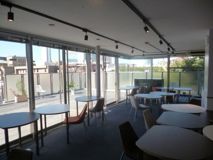 オープンスペース。セミナーやイベントでは最大30名程度収容可能