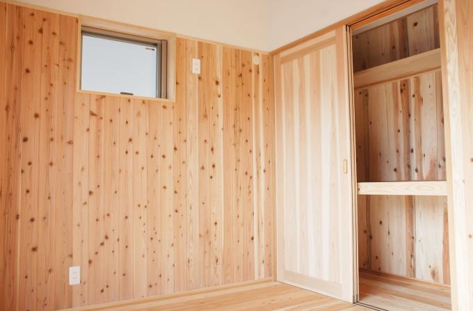 2階居室。2部屋にはゆとりの収納を確保