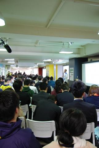 毎回大盛況となる「リノベーションスクール」。その一環として内覧会を開催した(写真は「第6回リノベーションスクール」の様子)