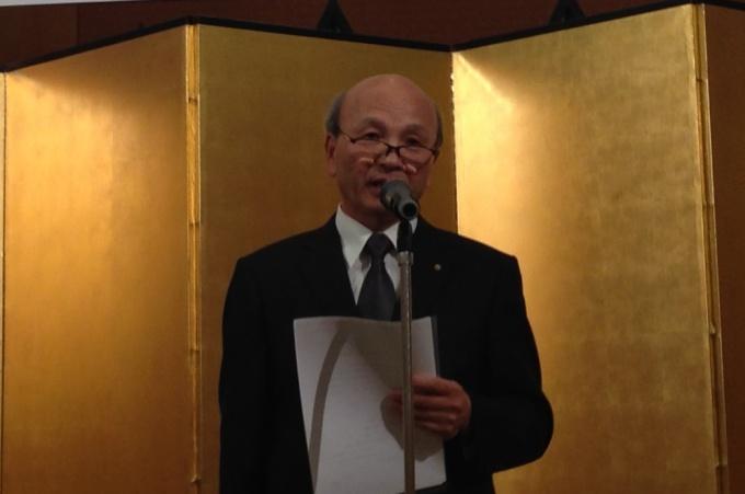 「環境保全とまちづくりに寄与した取り組みを行なっていこう」と述べる藤井支部長