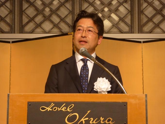 「国民生活の向上と経済成長を持続させていく上で、住宅市場の活性化に創意工夫を凝らし、業界一丸となって取り組んでいく」と話したFRK・田中理事長