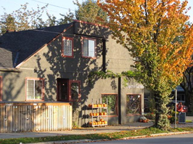 ベブの家の近所のかぼちゃを売る小さな店