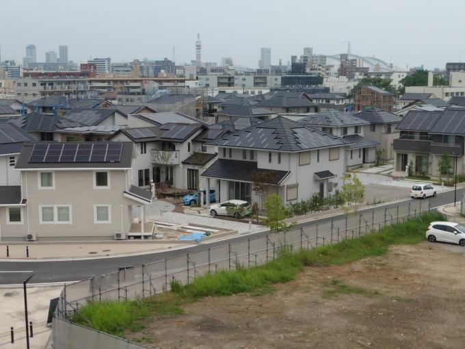 先行オープンした住宅街区。太陽光発電などさまざまな創エネ・省エネアイテムによりゼロ・カーボンのまちを目指す