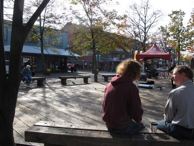 バンクーバー市都心に位置するグランヴィルアイランドはアートショップが集中する地域だ。メイワは30年前にその一角に誕生した