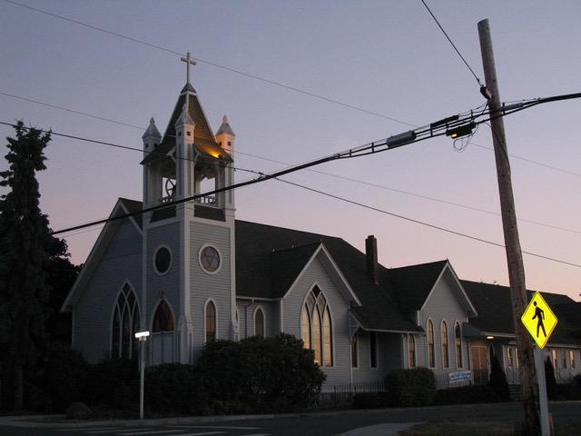 教会は村や町の中心で常に人々の願いや悩みを共有する場であった(ワシントン州)